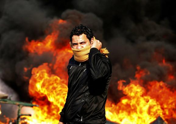 Tomaševićeva fotografija iz Kaira tokom sukoba policije i demonstranata
