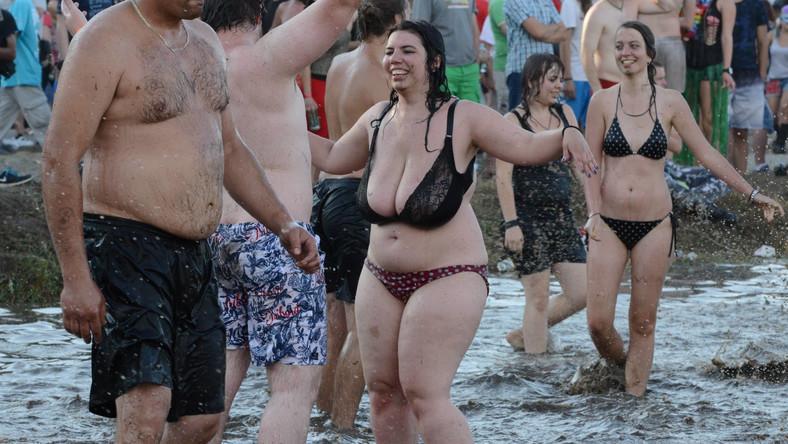 Uczestnicy festiwalu przekonują, że tegoroczna impreza obfitowała w niezapomniane chwile – od koncertów, przez kąpiele w błocie po spotkania z ludźmi, którzy na każdym kroku okazują życzliwość