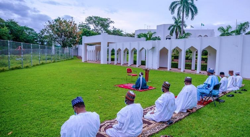Buhari observes Eid prayers with family members at Aso Rock [PHOTOS]