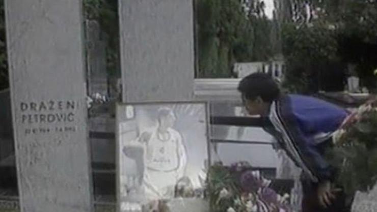 Maradona na Draženovom grobu