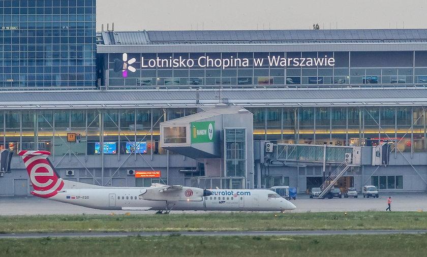 Problemy pasażerów lecących do Kluż-Napoka. Ich samoloty wróciły do Warszawy