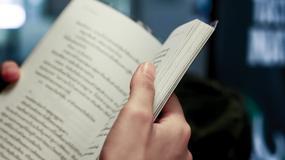 7 książek Janusza Głowackiego, które każdy powinien przeczytać