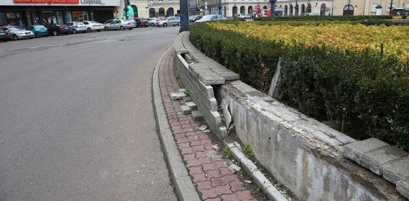Plac Wolności w ruinie