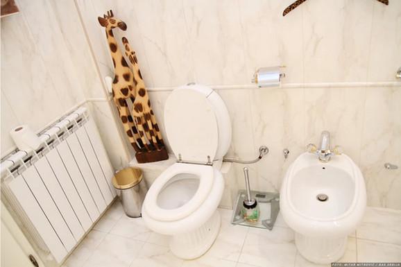 Mile i Marta, kupatilo