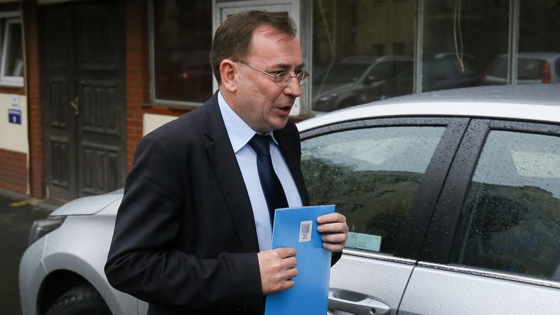Wiceprezes PiS Mariusz Kamiński w drodze na posiedzenie komitetu politycznego Prawa i Sprawiedliwości