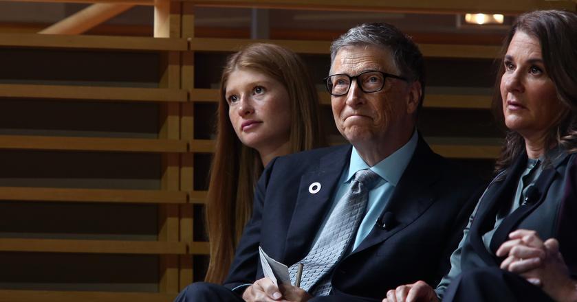 Jennifer z rodzicami Melindą i Billem Gatesami