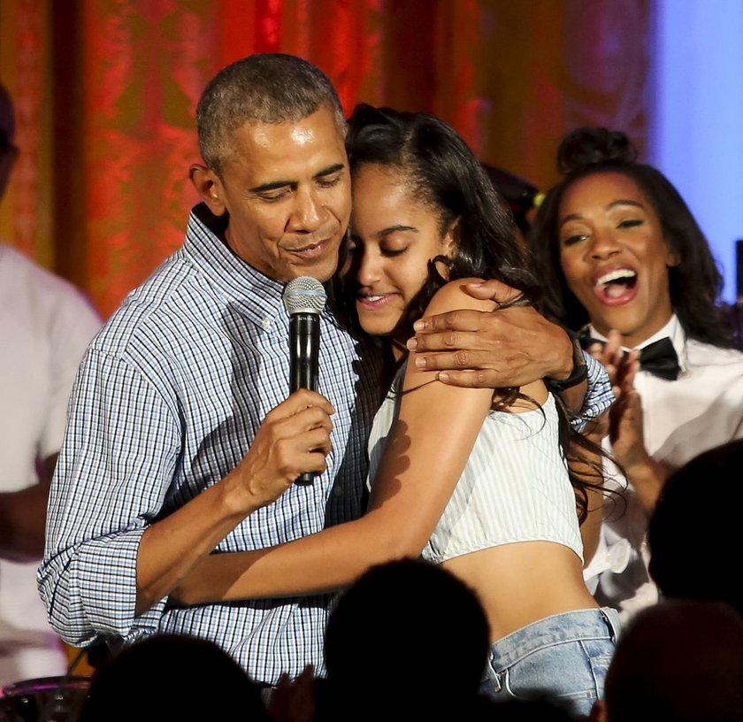 Malia Obama z rodzicami