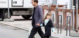 """Aktor """"Prosto w serce"""" z córką na zakupach. Foto"""