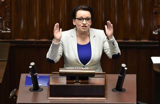 Minister Zalewska zapowiada specjalne dodatki finansowe dla nauczycieli