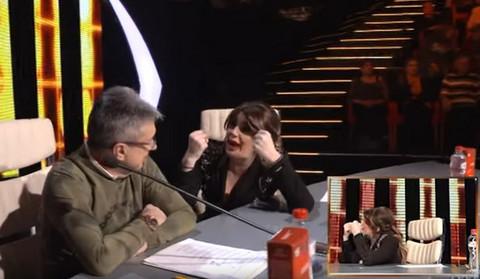 Viki Miljković se BRECNULA Saši Popoviću, a onda je direktor GRANDA ovako odgovorio pevačici! NASTAO MUK!