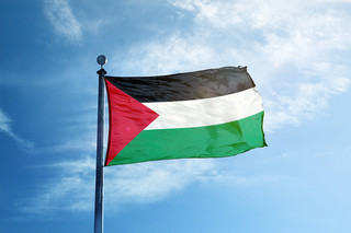 Palestyńskie szpitale są przepełnione pacjentami z Covid-19, a Izrael luzuje obostrzenia