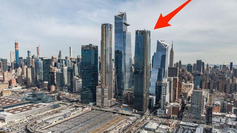 15 Hudson Yards is a brand new luxury tower in Hudson Yards, New York City's new $25 billion neighborhood. It was the first residential building to open in the neighborhood.