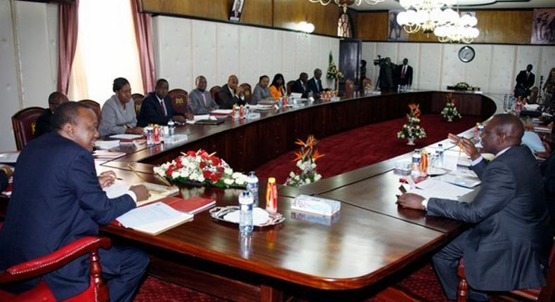 President Uhuru Kenyatta and Deputy President William Ruto chairs a cabinet meeting at State House, Nairobi. The cabinet approved a new Sh100 billion pay rise for civil servants.