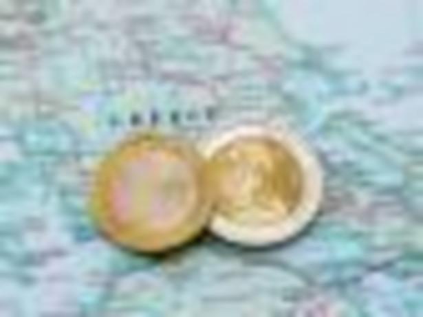 Ze strachu przed bankructwem państwa i perspektywą powrotu do starej, słabej drachmy, Grecy podjęli miliardy euro ze swoich kont.