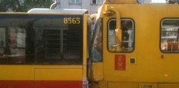Autobus zderzył się z tramwajem. Wypadek w Warszawie