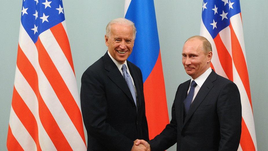 Spotkanie w 2011 r., kiedy Joe Biden był wiceprezydentem, a Władimir Putin premierem