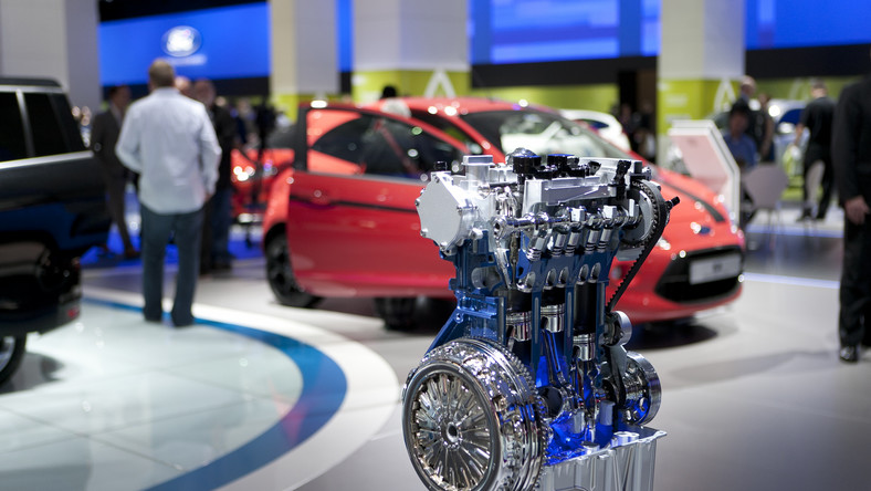 """Nowy silnik opracowany przez inżynierów Forda, 1.0 EcoBoost otrzymał tytuł """"International Engine of the Year"""" za rok 2012..."""