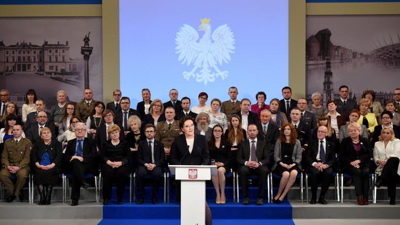Pół roku rządu Ewy Kopacz w 10 minut. Premier pochwaliła się sukcesami