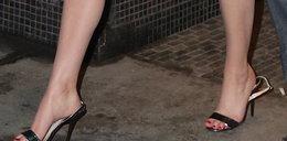 Wpadka hollywoodzkiej gwiazdy. Prawie zgubiła buty!