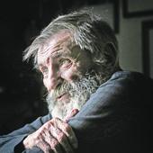 ŽIVOT MIŠE JANKETIĆA DRAMATIČNIJI OD FILMA Kako je glumac pronašao podsetnik koji je 50 GODINA LEŽAO ZAKOPAN u bašti njegovog detinjstva