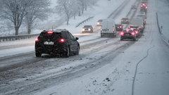 Potężny atak zimy w Polsce. Fatalna sytuacja na drogach. ZDJĘCIA
