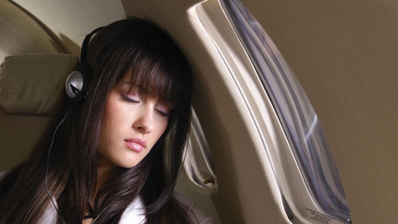 Pasażerka słucha muzyki