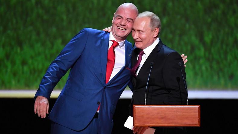 Prezes FIFA Gianni Infantino i prezydent Rosji Władimir Putin