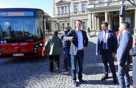 Gradonačelnik dočekao nove autobuse