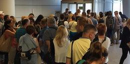 Ogromne opóźnienia samolotów! Turyści utknęli na lotnisku