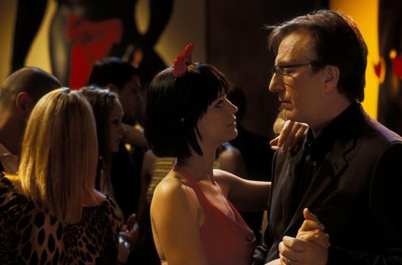 Harija je u filmu zavela mlada sekretarica Mia