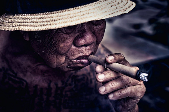 Zabrana se ne bi odnosila na cigare, a od 2024. svi stariji od 100 godina imali bi pravo da kupe i cigarete - ako ih nađu