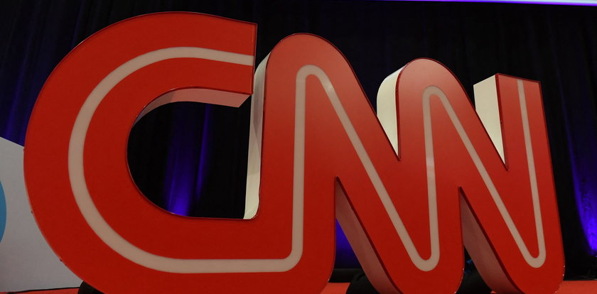Telewizja zwolniła trzech pracowników. Powód? Przyszli do pracy niezaszczepieni