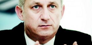 Neumann: jeśli wpłynie wniosek o uchylenie immunitetu to się zrzeknę
