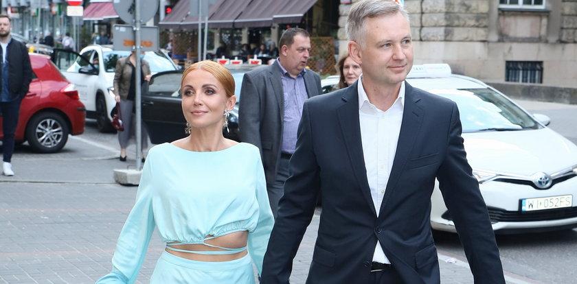 Zielińska odkurzyła tren i ruszyła na salony z mężem ZDJĘCIA