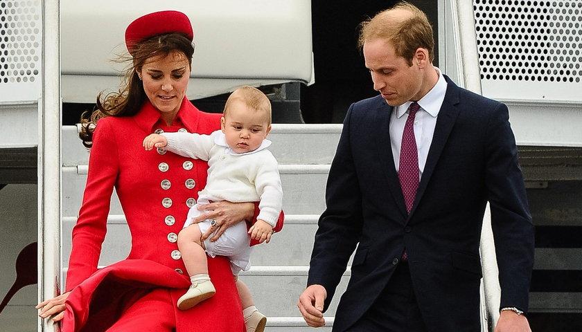 Księżna Kate i książęWilliam wraz z małym Jerzykiem