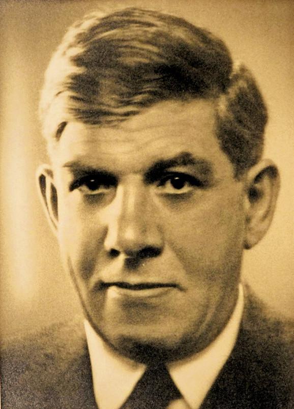 Književnik i diplomata Vojislav Jovanović Marambo za vreme Prvog svetskog rata bio je šef Presbiroa srpske vlade u Londonu i Vašingtonu