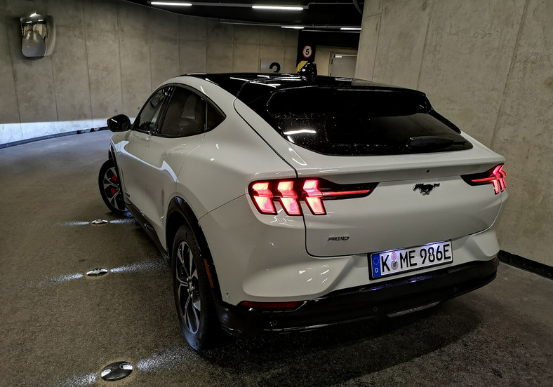 Ford Mustang Mach-E AWD 98 kWh