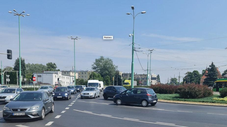Pod prąd na rondzie w Poznaniu