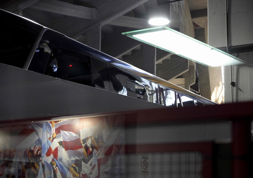 Bandyci zaatakowali autokar Boca Juniors. Ranni piłkarze