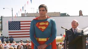 Superman atakuje ośmiokrotnie