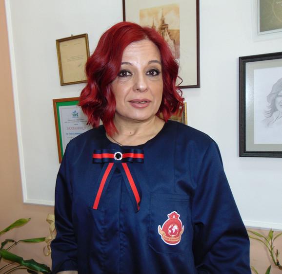 Naši đaci koriste mobilne samo na informatici, kaže direktorka Dušica Tričković