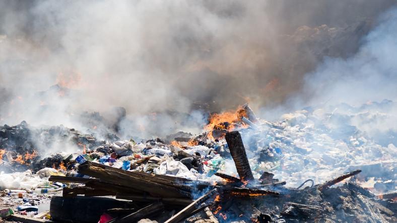 Toksyny uwalniane podczas palenia plastiku są rakotwórcze