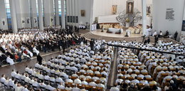 Tysiące pielgrzymów w Łagiewnikach, również zwolennicy księdza Natanka