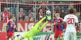 Manuel Neuer jest w fenomenalnej formie. Co za obrona!