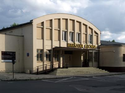 Warszawa Główna obsługiwała pociągi i pasażerów do 1997 roku. Do 2016 roku działało w niej Muzeum Kolejnictwa, które zyska nową siedzibę na Woli