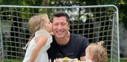 Lewandowski relaksuje się przed meczem z Barceloną. Najpierw czas z córkami, później mecz z golami?