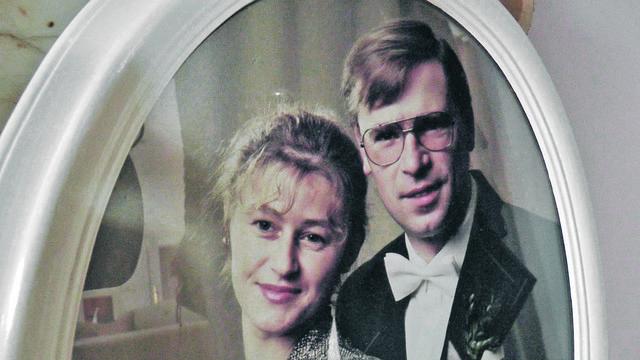 Rudhart se u Živanu zaljubio na prvi pogled, kada je video njenu sliku i nije odustajao sve dok je nije upoznao