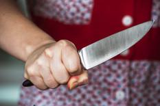 HOROR NA KOSOVU Ženu izbo nožem 17 puta dok je DRŽALA BEBU