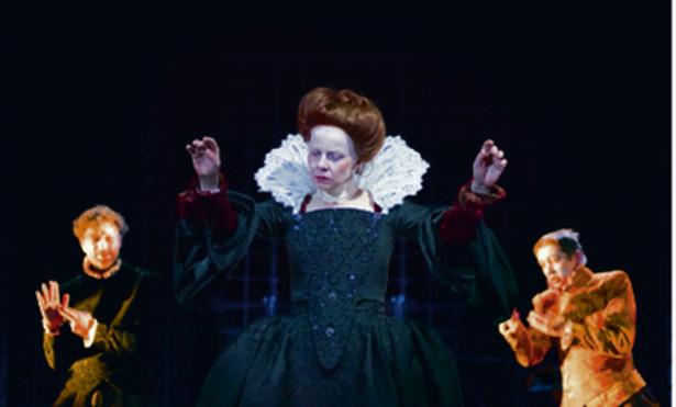"Agata Kulesza w ""Mary Stuart"""