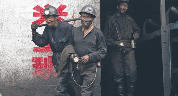 Źródłem przewagi Chińczyków w jednej ze strategicznych nisz zielonej gospodarki jest tani prąd z węgla, który stanowi największą część kosztów produkcji polikrzemu